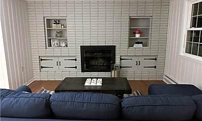Bedroom, 5 Meriden Rd, 1