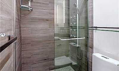 Bathroom, 600 Layne Blvd 109, 2