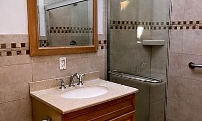 Bathroom, 28 Wayne Rd, 2