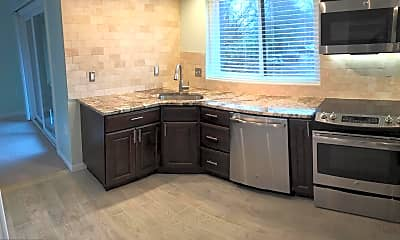 Kitchen, 15 President Point Dr A2, 1