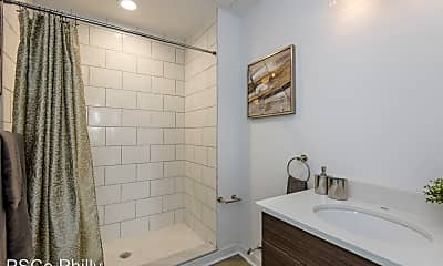 Bathroom, 3101 West Glenwood Ave., 2