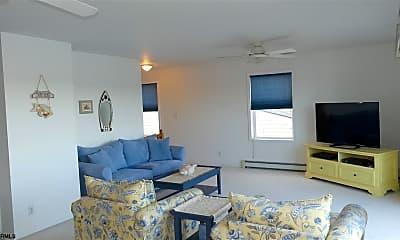 Bedroom, 557 Launch Ave, 1