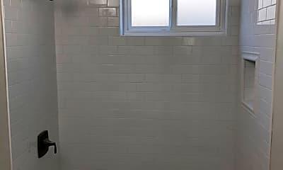 Bathroom, 4567 Idaho St, 2