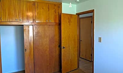 Bedroom, 720 Woodside Dr, 2