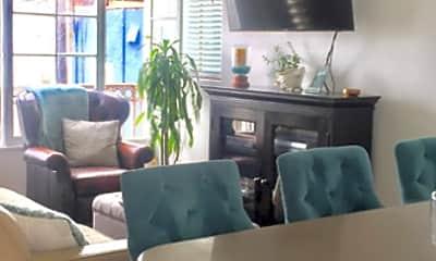 Living Room, 127 31st St, 2