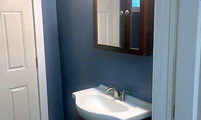 Bathroom, 2003 S San Jacinto St, 2