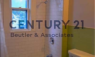 Bathroom, 1721 W Riverside Ave, 2