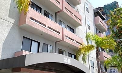 Luxury Apartments, 0