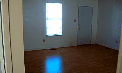 Living Room, 112 Suzanne Cir, 1