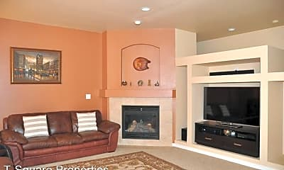 Living Room, 12933 NE 203rd St, 1