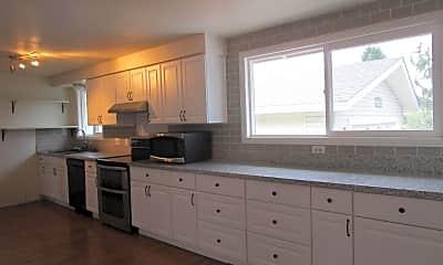 Kitchen, 2720 Severn Dr, 1