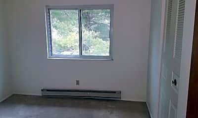 Bedroom, Breeze Hill Garden Apartments, 2