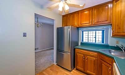 Kitchen, 976 Juniper Way, 1