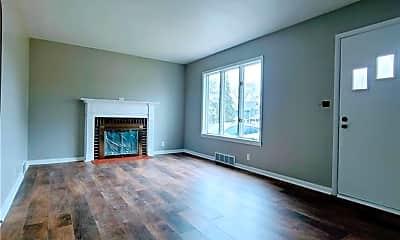 Living Room, 815 Fenton St, 1