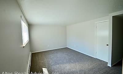 Bedroom, 5701 S Pearl St, 1