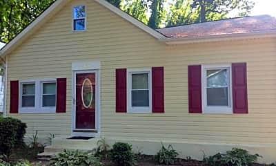Building, 862 Birch Trail, 1