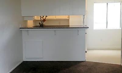 Living Room, 2605 Mount Vernon Ave, 1