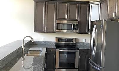 Kitchen, 373 Spencer St, 1