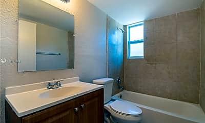 Bathroom, 601 S Flagler Ave 4, 2