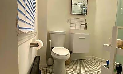Bathroom, 707 S 3rd St, 2