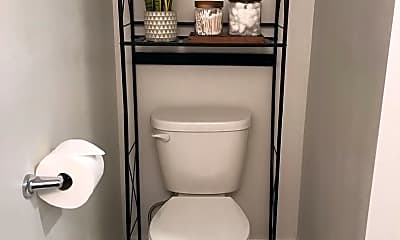 Bathroom, 636 Maverick Ln, 2
