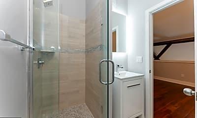 Bathroom, 1001 S 4th St 31, 2