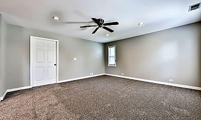 living room, 5265 N. Lawler Ave, 1