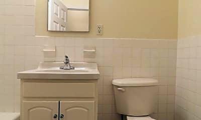Bathroom, 140 W 136th St, 2