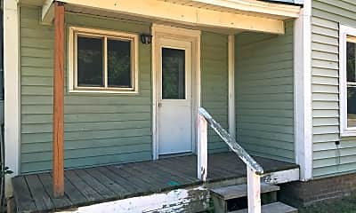 Patio / Deck, 322 N Arnold St, 1