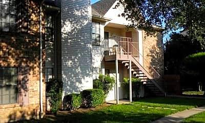 Hebron Oaks Apartments, 1