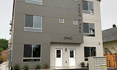 Building, 6930 SE Long St, 2