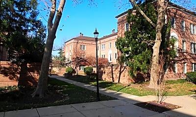 Building, 1109 N Pitt St 2A, 1