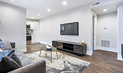 Living Room, 909 Briarcliff Rd NE, 0