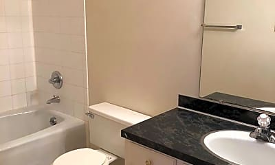 Bathroom, 3010 Parklane Dr, 1