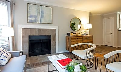 Living Room, Ashford Indian Trail Apartments, 1