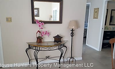 Dining Room, 20362 Emerald Ave, 1