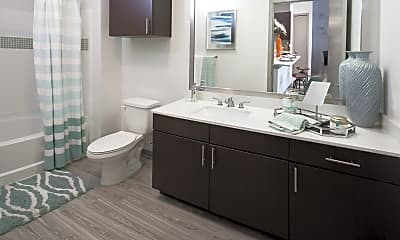 Bathroom, Crest at Oak Park, 1