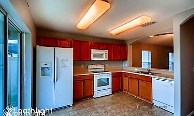 Kitchen, 7308 Lumber Port Dr, 1