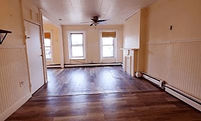 Living Room, 39 Harmon St, 2