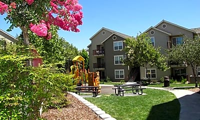 Danbury Park Apartments, 1