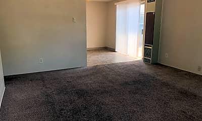 Living Room, 437 S Columbus Ave, 1
