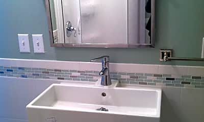 Bathroom, 329 Yorke Ave, 2