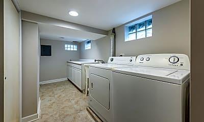 Kitchen, 772 Prairie Ave, 2