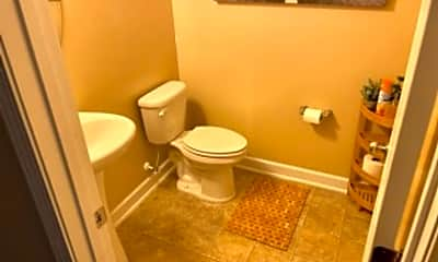 Bathroom, 63 Tun Tavern Dr, 2