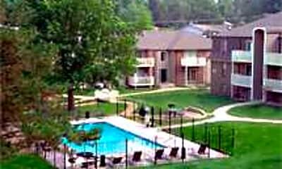The Oaks Apartments, 2