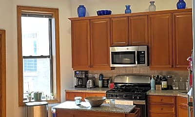 Kitchen, 4051 N Kenmore Ave, 1