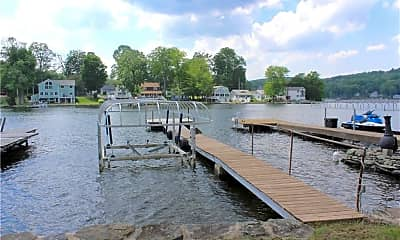 71 E Lake St, 1