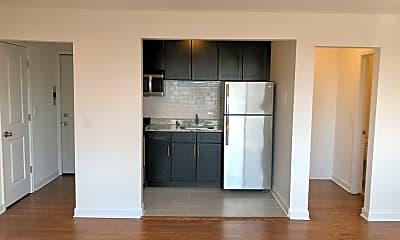Kitchen, 6611 N Sheridan Rd 304, 1