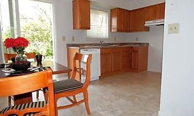 Kitchen, 4500 Waynedale Cir, 1