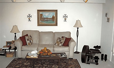 Living Room, 5319 Pooks Hill Rd, 1